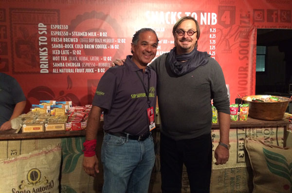 At-the-Rock-in-Rio-Sambalatte-store-with-Luiz-Oliveira,-Success-smiles